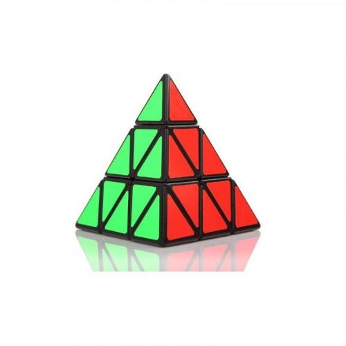 Pyraminx pyramída